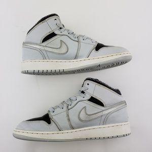 Nike Shoes - NIKE Air Jordan 1 Mid GS Sz 5.5Y Wo's 7